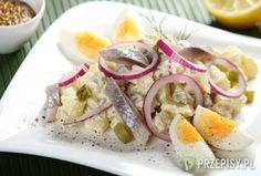 Wykwintna sałatka śledziowa z majonezem Bon Appetit, Camembert Cheese, Salads, Sweet Home, Fish, Meat, Chicken, Cooking, Poland