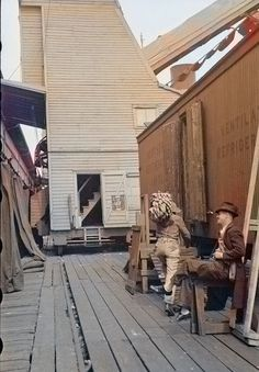 Loading bananas at the dock in Mobile, Alabama, ca 1937. Colorized by Steve Smith. #banana #fruit #ships #railroad #boxcar #laborers #docks #waterfront