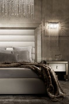 32 Best and Stunning Modern Glamour Bedroom Design Ideas https://freshouz.com/the-best-glamour-bedroom-design/