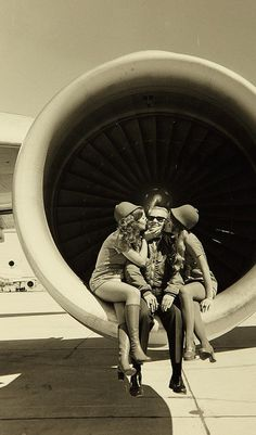 PSA flight attendants: I took a similar pic during America West training (MH)