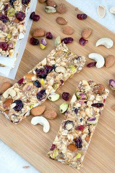 Healthy Homemade Granola Bars #diy #granolabar #breakfast
