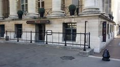 Restaurant Spoon 2 : (Du)casse la baraque ? Restaurant Paris, Paris Restaurants, Resto Paris, Spoon, Spaces, Spoons