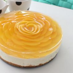 """Rose"" Cheesecake Peach slices are arranged on top of this no-bake cheesecake to look like a beautiful flower!Peach slices are arranged on top of this no-bake cheesecake to look like a beautiful flower! Peach Cheesecake, No Bake Cheesecake, Cheesecake Recipes, Dessert Recipes, Ice Cream Desserts, Mini Desserts, Delicious Desserts, Yummy Food, Tasty"