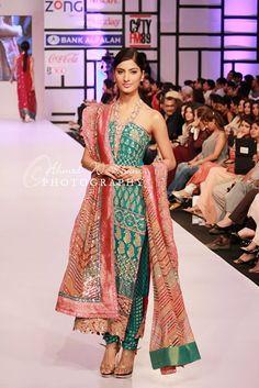 Asian Wedding Ideas - A UK Asian Wedding Blog: Umer Sayeed Collection at Fashion Pakistan Week (FPW) 2012