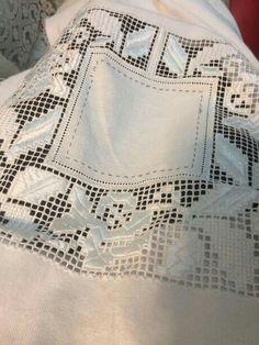 робота Катерини Вишнітської Crochet Patterns, Costumes, Embroidery, Hardanger, Needlepoint, Dress Up Clothes, Crochet Pattern, Fancy Dress, Crochet Tutorials