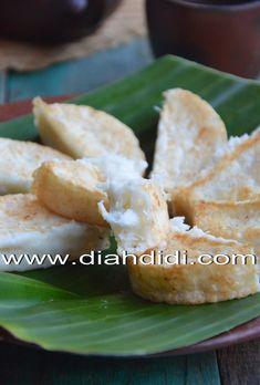 Kue Gandos adalah kue tradisional Jateng yang terbuat dari tepung berasa dan kelapa parut. Citarasanya gurih..karena tidak memakai gula ...