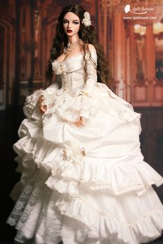 Image about photography in Dolls by Naty on We Heart It Tags mais populares para esta imagem incluem: asian, bjd, customize, doll e photography Barbie Gowns, Barbie Dress, Barbie Clothes, Beautiful Barbie Dolls, Pretty Dolls, Cute Dolls, Gothic Dolls, Victorian Dolls, Barbie Style