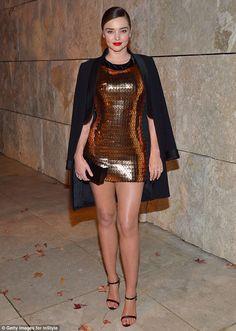 Beauty: Miranda Kerr looked stylish in a metallic gold frock at the fourth annual InStyle Awards in Los Angeles on Monday Mini Frock, Metallic Mini Dresses, Celebrity Style Casual, Miranda Kerr Style, Leder Outfits, Fashion Vocabulary, Clubwear, Sexy Legs, Nice Dresses