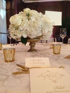White, ivory, gold and champagne wedding color scheme - by Brocade Designs #brocadedesigns at the Hermitage Hotel Nashville