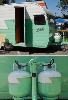 Vintage camper with pretty propane tanks Tiny Trailers, Vintage Campers Trailers, Retro Campers, Camper Trailers, Vintage Motorhome, Retro Rv, Small Campers, Vintage Airstream, Happy Campers