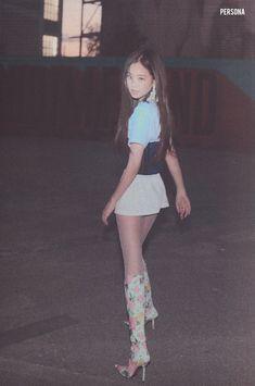 Kim Jennie, Kpop Outfits, Girl Outfits, Fashion Outfits, Yg Entertainment, South Korean Girls, Korean Girl Groups, Rapper, Blackpink Photos