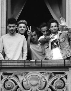 One Direction - Zayn Malik, Niall Horan, Harry Styles, Liam Payne and Louis Tomlinson One Direction Fotos, Four One Direction, One Direction Wallpaper, One Direction Pictures, One Direction Photoshoot, One Direction Tattoos, Niall Horan, Zayn Malik, Foto One