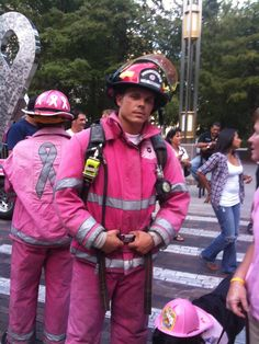 Firefighters for Breast Cancer Awareness. Real men wear pink for the women in his life to support a cause Breast Cancer Survivor, Breast Cancer Awareness, Pretty In Pink, Perfect Pink, Save The Tatas, Into The Fire, Pink Power, Barbie, Everything Pink