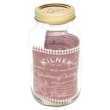 This 1 litre Kilner Preserve Jar is practical, stylish and perfect for storing your home-made preserves, jams and pickles as well as dried items such as rice, sugar and flour. It features an easy to use metal screw top lid made up of 2 pieces, a replaceable vacuum seal and a metal screw band to secure the seal. The screw band can  be used up to 10 times.