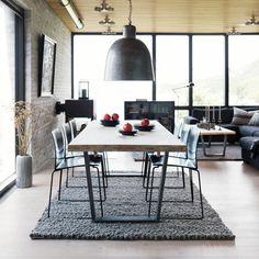 Der #Tisch In #Eiche Massiv Wurde Im Finish Gebürstet Und Geseift, Womit  Der Oberfläche Ein Einzigartiger Charme Verliehen ...