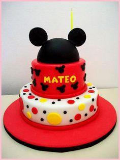 Pastel Mickey, Mickey And Minnie Cake, Fiesta Mickey Mouse, Mickey Cakes, Mickey Party, Mickey Mouse Birthday Theme, Baby Birthday Cakes, Disney Birthday, Miki Mouse
