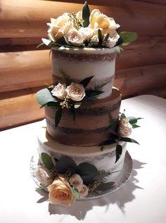 Naked tiered Wedding Cake. Naked Cake. Naked Birthday Cake. Tiered Cake. Wedding Cake. Rustic Wedding. Wedding Trends. Trendy Weddings. Real Flowers. Wedding Ideas.
