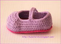 Crocheted Baby Booties Tutorial   Tığ İşi Bebek Patiği Yapılışı        Patiğin açıklamasını şema ve metin olarak ayrı ayrı hazırladım. Faka...