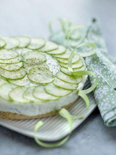 Cheesecake au concombre et à la menthe, à servir en petits carrés qui se dégustent du bout des doigts à l'apéritif.