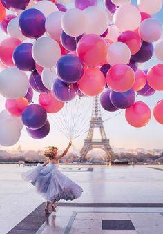 I Travel The World To Photograph Girls In Dresses Against Backgrounds Of The Most Beautiful Places Paris, France, Tour Eiffel. Wonderful Places, Beautiful Places, Beautiful Pictures, Ballons Fotografie, Paris Wallpaper, I Love Paris, Paris Girl, Paris Photography, Eiffel Tower Photography
