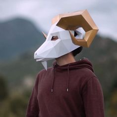 Halloween Carnival, Carnival Costumes, Low Poly, Un Cutter, Diy Paper, Paper Crafts, Goat Mask, Paper Engineering, Forest Design