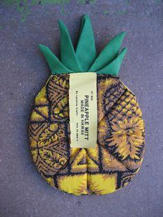 Vintage Pineapple Oven Mitt  Tiki Hawaiian by rudysroundup on Etsy, $10.50