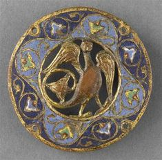 Anglo Saxon women might have worn brooches like these, especially if they wore an outer dress pinned at the shoulders Wiccan Jewelry, Medieval Jewelry, Byzantine Jewelry, Art Du Monde, Romanesque Art, Art Roman, Art Ancien, Asian History, British History