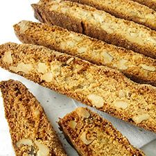 Crunchy maple-walnut cookies, perfect for dunking in coffee or tea. Biscotti Cookies, Walnut Cookies, Bar Cookies, Flour Recipes, Cookie Recipes, Cookie Ideas, Vanilla Biscotti Recipes, Biscotti Flavors, Biscuits