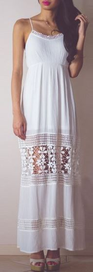 This is such an adorable maxi dress!
