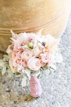 Bridal bouquet photo by @clarissakoenig