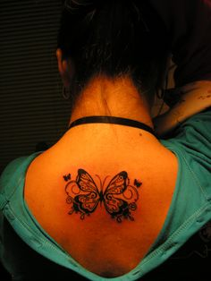 Primer tatuaje, mariposa.