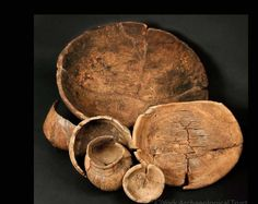 Lathe-turned wooden bowls and cups from Coppergate (York, England). Viking Life, Old Norse, Norse Vikings, Iron Age, Le Far West, Anglo Saxon, Wooden Bowls, Ancient Artifacts, Middle Ages