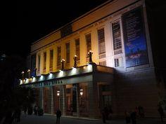 夜のローマのオペラハウス