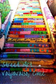 1001 colors adorn the walls, stairs and floors in Valparaiso street art (Step Stairs Street Art) Graffiti Murals, Art Mural, Street Art Graffiti, Street Mural, Architecture Art Nouveau, Stair Art, Le Petit Champlain, Grafiti, Painted Stairs