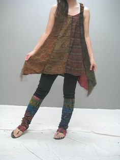 Patch Dress and over-dye ***Idea - over-dying the garment gives a consistency to the fabric hues no matter what their original shades were. Moda Fashion, Diy Fashion, Fashion Ideas, Diy Clothing, Sewing Clothes, Altered Couture, Cycling Outfit, Cool Outfits, Textiles