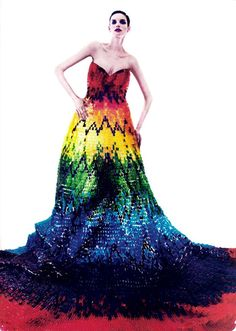 Vestido de Gomitas de Oso #AlexanderMcQueen #GummyBears