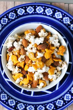 Goldfish cracker snack mix recipe. #GoldfishMix #Walmart #CollectiveBias