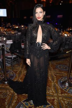 Adriana Lima Photos - Model Adriana Lima attends the 19th Annual amfAR New York Gala at Cipriani Wall Street on February 8, 2017 in New York City. - 19th Annual amfAR New York Gala - Inside
