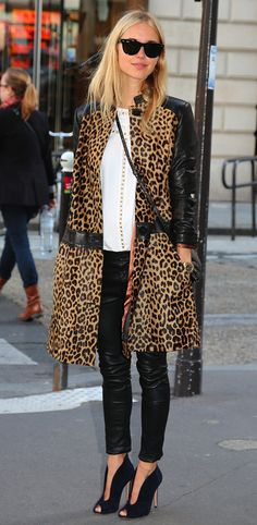 LE FASHION BLOG STREET STYLE FASHION WEEK RAY BAN WAYFARER SUNGLASSES Baum Und PferdGarten LEOPARD LEATHER COAT WHITE BLOUSE SKINNY LEATHER PANTS GIANVITO LOW CUT WINGED OPEN TOE BOOTIE PUMPS MICHAEL KORS WATCH CROSS BODY BAG AFTER ISABEL MARANT