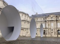 Picking up from where the mirrored monument that held Dior& latest haute couture show left off, the Musée du Louvre& Cour Carrée was inhabited by another reflective box, this time inserted with three curvilinear piped runways for the maison& A& Architecture Design, Landscape Architecture, Design Management, Bureau Betak, Fashion Wallpaper, Wallpaper Magazine, Installation Art, Exterior, Scene