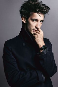 Pierre Niney, plus jeune sociétaire de la Comédie-Française - photo Mark Abrahams pour L'Express Styles