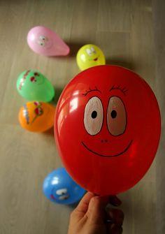 Da giorni la nostra sala è invasa dai palloncini, sono la recentissima passione di Puki che ama vederci fare le facce strane mentre li gonf...