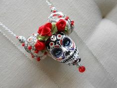 For this Tissue Paper Marigolds DIY tutorial, I set aside my DSLR camera to try out the Samsung Galaxy Active. Sugar Skull Jewelry, Sugar Skull Art, Sugar Skulls, Halloween Jewelry, Halloween Halloween, Vintage Halloween, Halloween Makeup, Halloween Costumes, Diy Collier