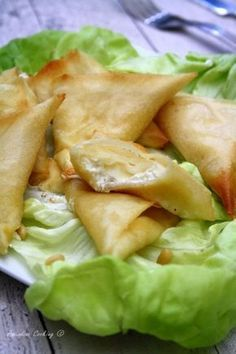 The Big Diabetes Lie Recipes-Diet - Samoussas chèvre miel weight watchers les 2 - Doctors at the International Council for Truth in Medicine are revealing the truth about diabetes that has been suppressed for over 21 years. Samosas, Tapas, Baby Food Recipes, Cooking Recipes, Turnover Recipes, Healthy Snacks, Healthy Recipes, Good Food, Yummy Food