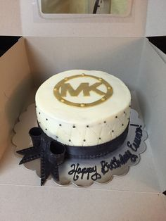 34 trendy cake designs for women michael kors 25th Birthday Cakes, Sweet 16 Birthday, Fancy Cakes, Cute Cakes, Fondant Cakes, Cupcake Cakes, Michael Kors Cake, Cake Mix Muffins, Birthday Cakes