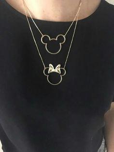 e683270024837 Colar Mickey e Minnie