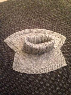 Storebror trengte en ny hals, så da gikk jeg straks i gang med oppgaven. Knitting For Kids, Baby Knitting Patterns, Free Knitting, Knitting Projects, Crochet Fish, Knit Crochet, Baby Barn, Kids Patterns, Drops Design