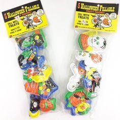 NIP-Vintage-Halloween-The-Ullman-Co-10-Fillable-Favors-Vampire-Ghost-Skeleton