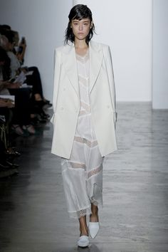 Wes Gordon Spring 2016 Ready-to-Wear Fashion Show - Mae Mei Lapres