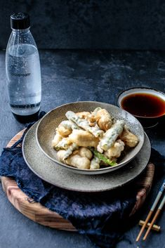 Did you know that the secret to perfect tempura is sparkling water? Check out this crunchy creation by Sammy and Bella's Kitchen Rescue Dinner Themes, Dinner Parties, Cute Food, Yummy Food, Cheat Meal, Food Goals, Tempura, Main Meals, Sushi